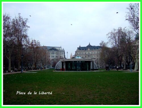 Budapest...place de la Liberté...