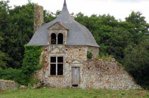 Bienvenue au Château de Crosville-sur-Douves ( suite )