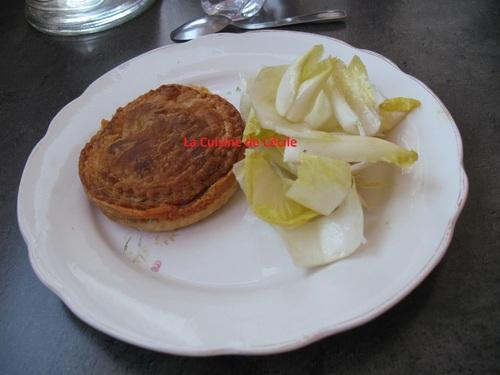 Tourte au camembert et à l'andouille