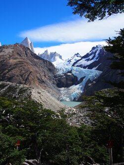 Le glacier Piedras Blancas et son lac