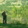 Pêcheur au lac des Cascades - Cheylade