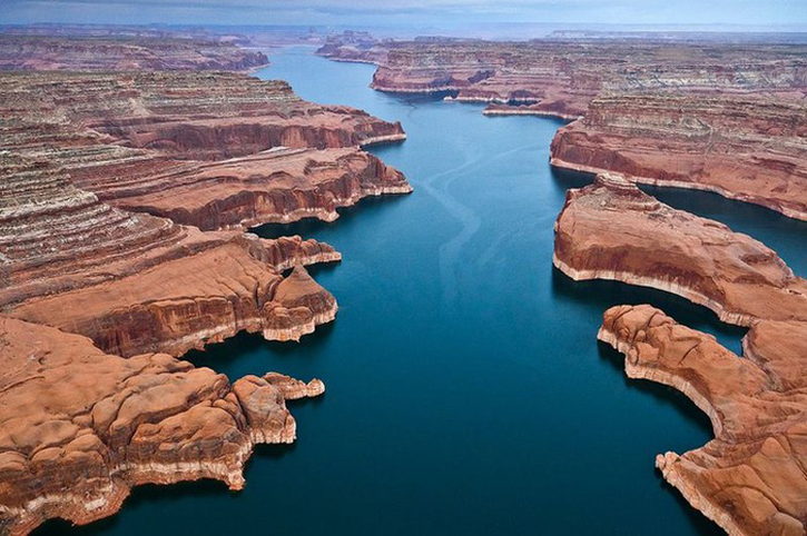 Voyager en Images 3:  Le lac Powell en Arizona