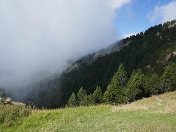 Les nuages au Sud du Coll