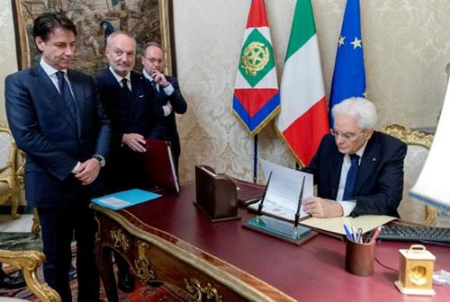 Fin provisoire de la pantalonnade en Italie