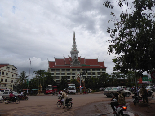 J12; Aéroport de Siem Reap, hôtel Angkor, Cambodge