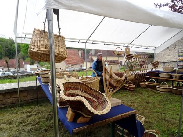 La dix-huitième Foire aux graines, jardin et nature a eu lieu dimanche 15 mai à Recey sur Ource....