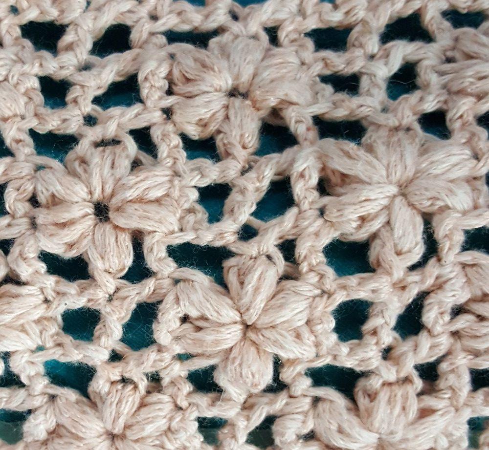 """Une écharpe au crochet, avec un point """"étoiles""""..."""