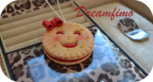 "Collier ""Mini-BN fraise"""