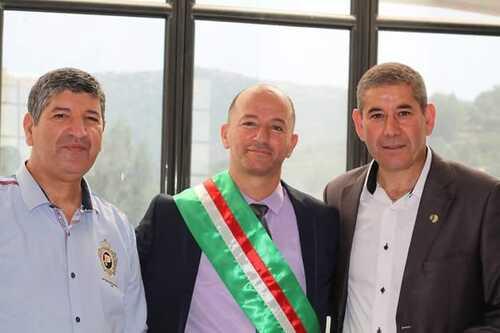 Trois maires dans le désordre...politique.