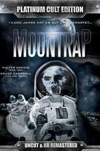 """"""" Moontrap """" PÉRIL SUR LA LUNE (1989) : Lors d'une mission de routine, deux astronautes américains découvrent un étrange cocon dans l'épave d'un vaisseau spatial d'origine inconnue, ainsi que le corps d'un humanoïde qui serait mort depuis… 14 000 ans. Ils ramènent leur découverte sur Terre et sont renvoyés sur la lune, où la NASA espère découvrir l'explication de ces mystères. ... ----- ...  Péril sur la Lune (Moontrap) réalisé par Robert Dyke, disponible en DVD le 18 octobre 2016 chez Rimini Editions Acteurs : Walter Koenig, Bruce Campbell, Leigh Lombardi, Robert Kurcz, John J. Saunders, Reavis Graham… Scénario : Tex Ragsdale Photographie : Peter Klein Musique : Joseph LoDuca Durée : 1h21 (version courte), 1h25 (version longue) Date de sortie initiale : 1989"""