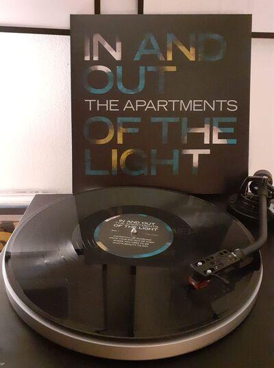 Le Jour des Lecteurs # 1: The Apartments - In and Out of the Light (2020) par Malto