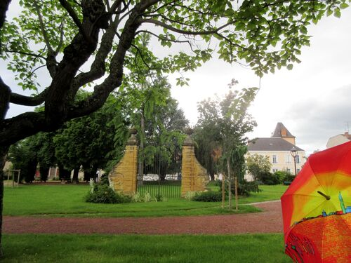 Parapluie dans la Loire