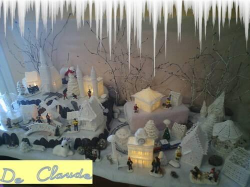 Le village blanc de Claude.
