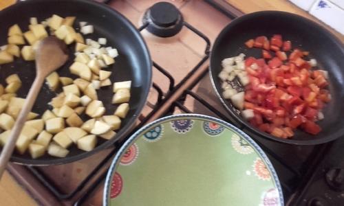 Brunch du dimanche : tofu brouillé, pommes de terres sautées et salade de fruits {Vegan}