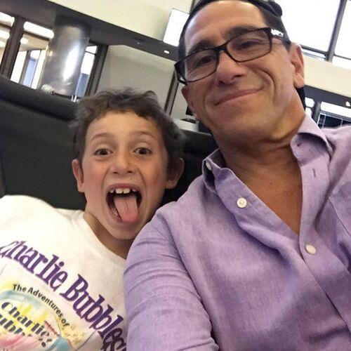 Paul Carafotes et son fils.