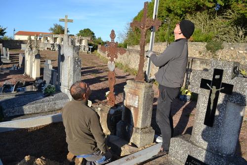 Sauvetage de la tombe Coudrin (suite)....