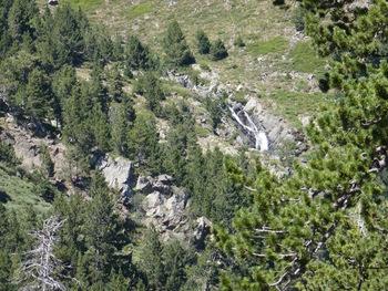 Pendant la descente, zoom sur les cascades de la Lladure