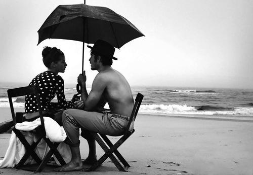 10 - Parapluie, ombrelle ou parasol