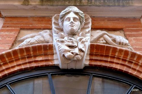Toulouse : ornements architectureaux
