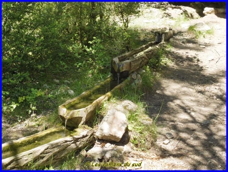 Causse de Sauveterre, le sentier du bout du monde