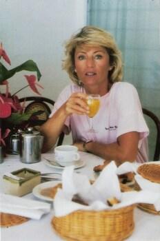 Sheila boit : 1988