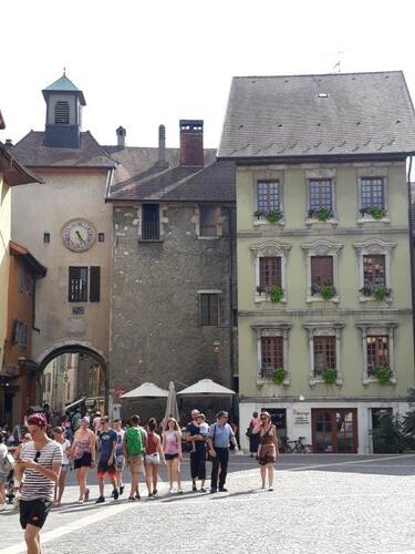 Toujours dans le vieil Annecy