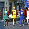 """Les couleurs des quatre """"quartiers"""" de Carmignano : vert, jaune, céleste et blanc"""