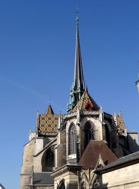 Les toits vernissés en Côte d'Or....