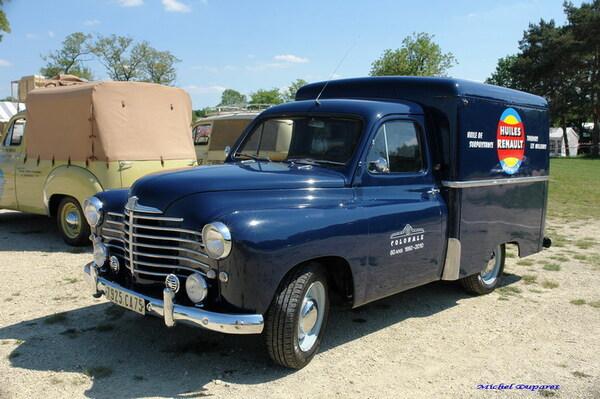 Voici d'autres superbes voitures des années 50-60