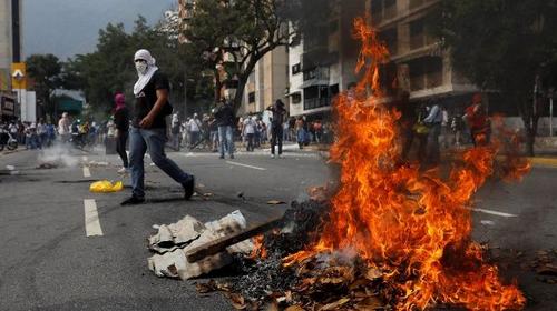 VENEZUELA : La droite choisit le coup d'état violent et la guerre économique. [dossier spécial]