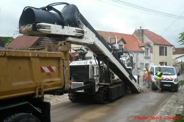 Des travaux à Essarois avec des machines gigantesques...