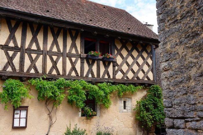 Châteauneuf : le village