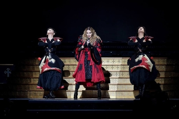 Rebel Heart Tour - 2015 12 01 London (10)