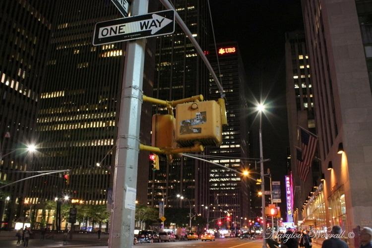 New York : Rues de Manhattan de nuit
