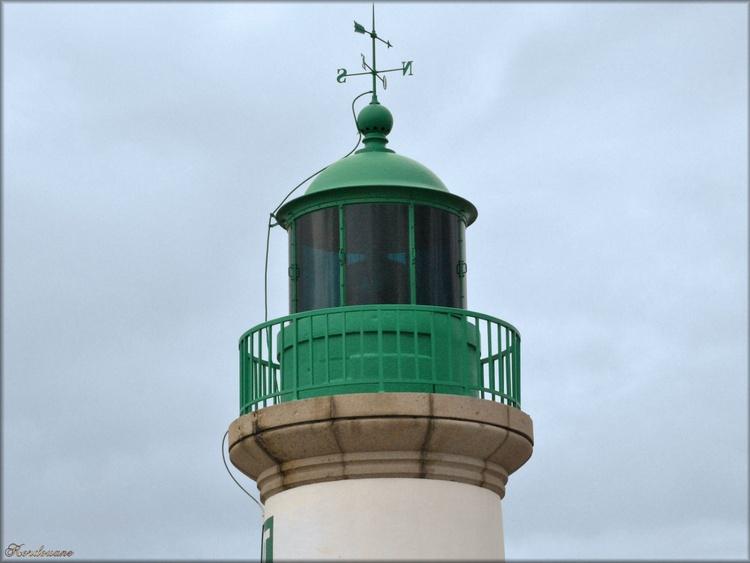 Photo de la lanterne de la jetée Est à Saint-Nazaire