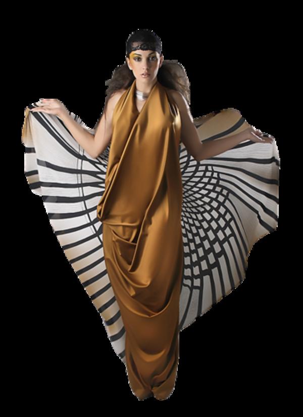 Femme vétue de couleur marron1