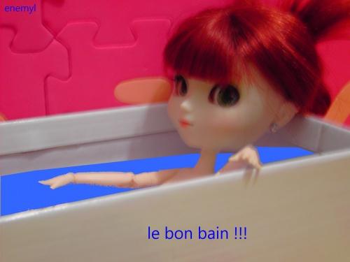 55)dans la salle de bain