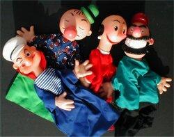 """La marionnette """"à fils""""."""