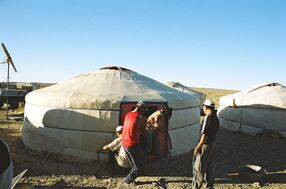 Yurt-construction-6 (final).JPG