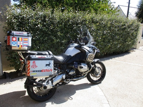 Jean-Yves et Frida, une histoire simple entre un motard et une BMW R1200 GSA en Touraine.
