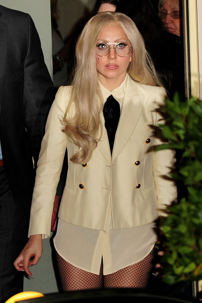 Lady Gaga veut adopter ?!