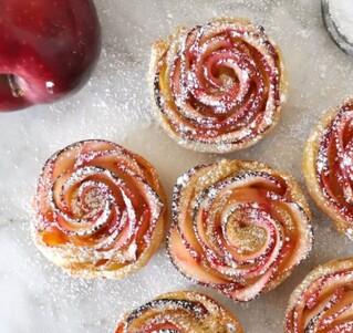 Des roses feuilletées pommes