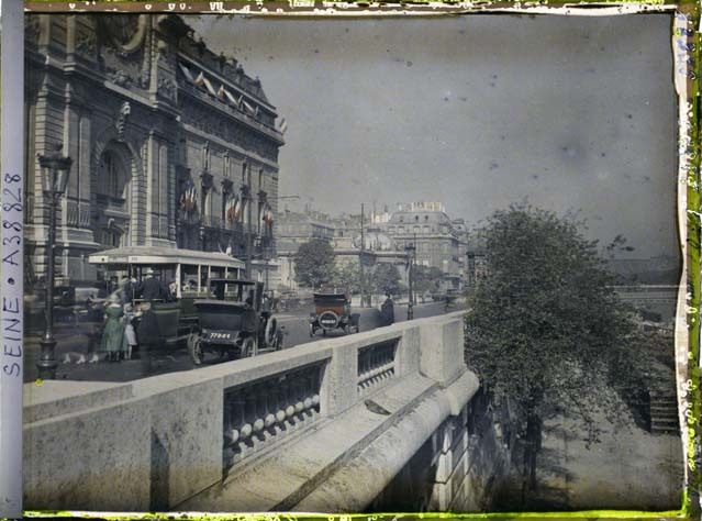 Le quai d'Orsay au niveau de la gare d'Orsay par Auguste Léon ©Musée Albert-Kahn - Département des Hauts-de-Seine