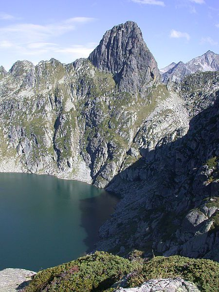 LES LACS DE L'ARIEGE L'ETANG D ' AUBE dans Lacs et étangs de l'Ariège 7xRXJBq_b7YguYMvsFWcNNgCkoQ