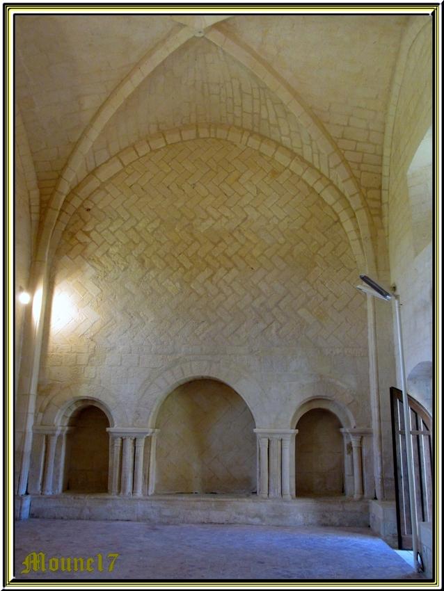 Après le lac de Trizay, l'Abbaye de Trizay (charente maritime)