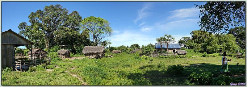 """Dans la """"banlieue"""" du village - Grande Mitsio - Madagascar"""