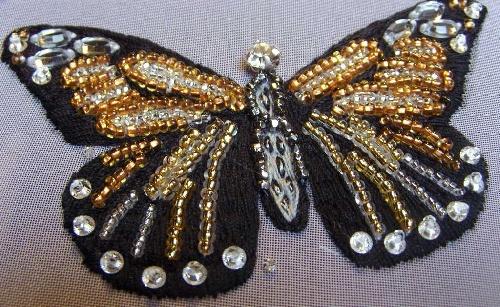 Papillons brodés à l'aiguille et au crochet