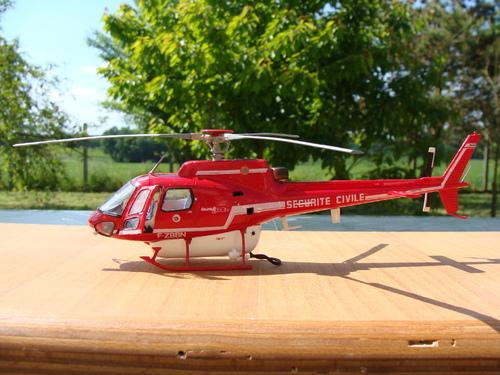 Maquette hélicoptère AS350B Ecureuil F-ZBBN Sécurité Civile au 1/48
