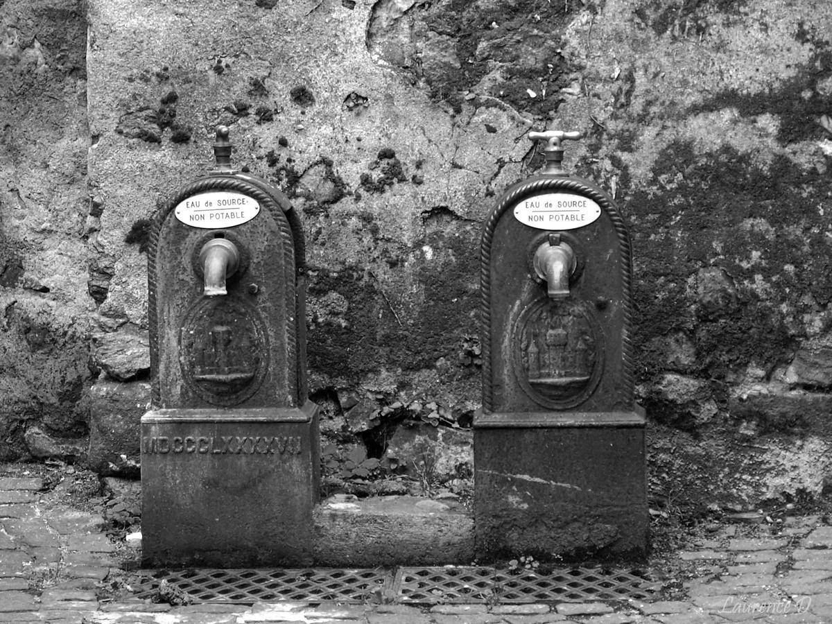 Fontaines dans le quartier médiéval de Montluçon