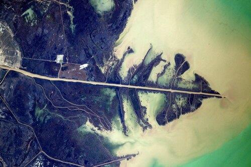 Fleuve Oural se jetant dans la mer Caspienne (Thomas Pesquet)